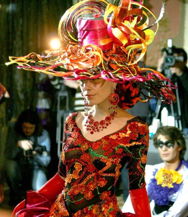Прическа на карнавал фото
