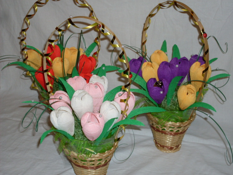 Корзина из конфет своими руками тюльпаны мастер класс 6