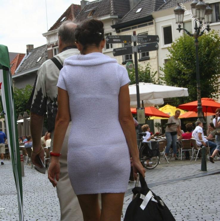любительское фото женщины в прозрачном
